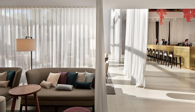 matteo thun partners interior hilton barcelona interiors. Black Bedroom Furniture Sets. Home Design Ideas