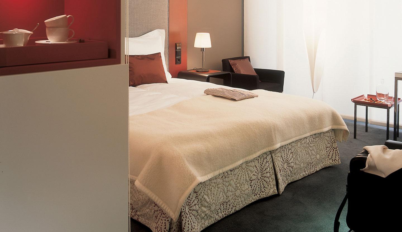 matteo thun partners interior radisson sas hotel system. Black Bedroom Furniture Sets. Home Design Ideas