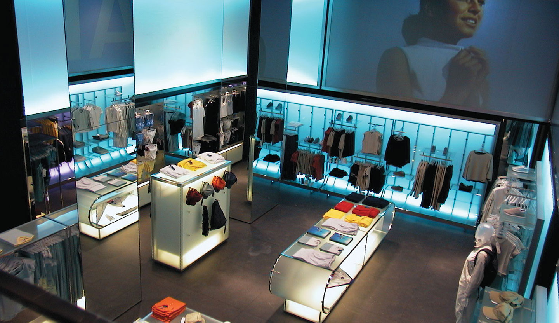 Matteo thun partners interior fila shop for Milano design shop