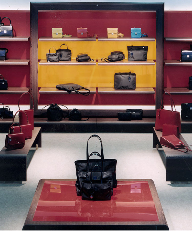 Goldpfeil Shop design, Framkfurt (DE), 1996
