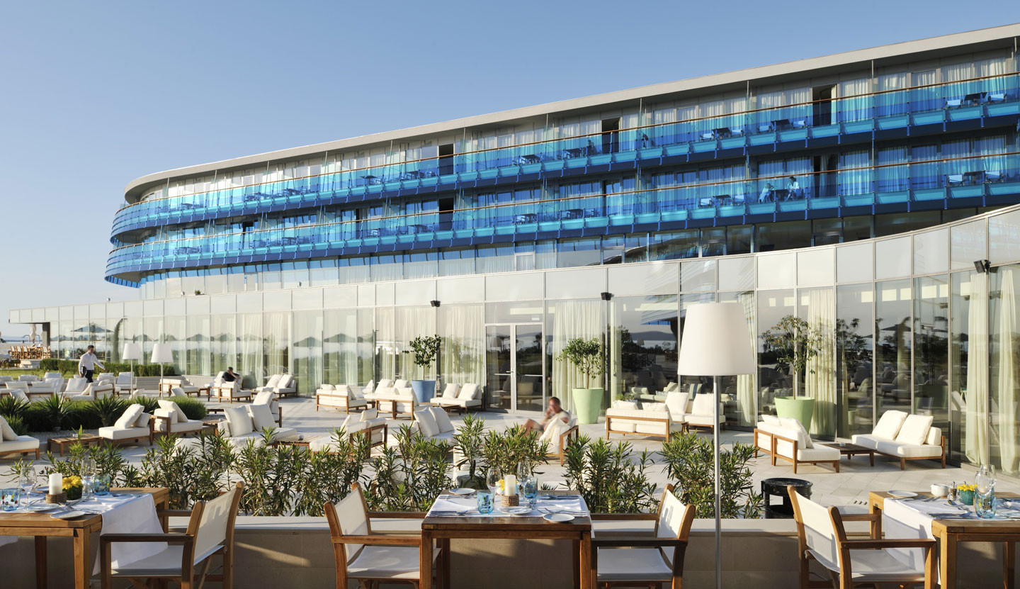 Matteo thun partners for Terrace hotel restaurant