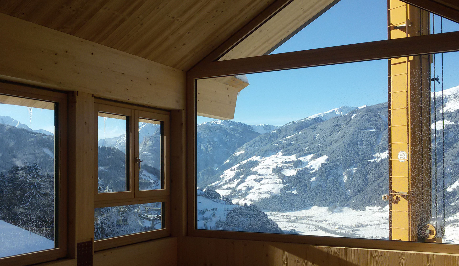 <p>Mountain Chalet - Tyrol (AT) - January 2017</p>