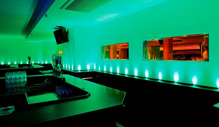 P1 Disco nightclub, Munich (DE), 2001–02