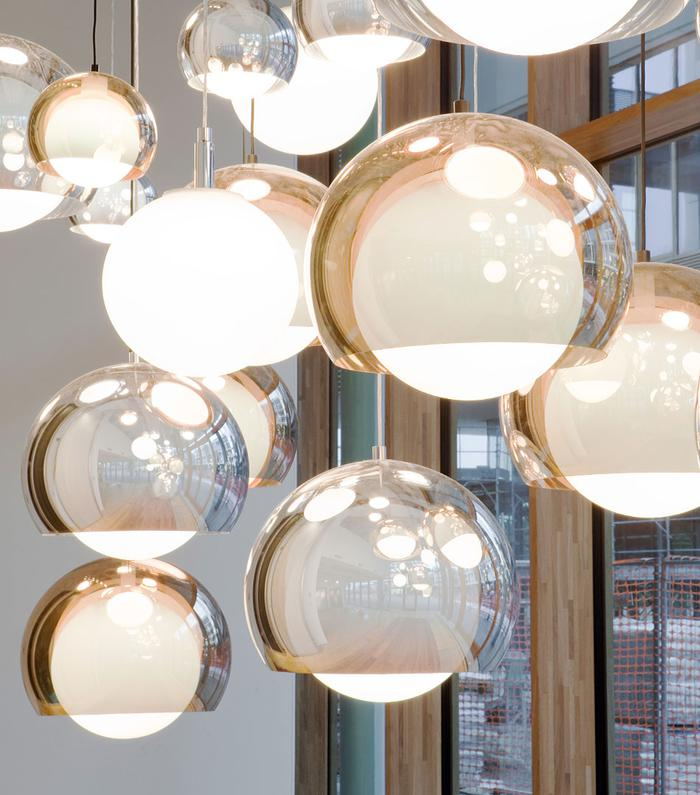 Zumtobel, Sconfine Sfera lamp